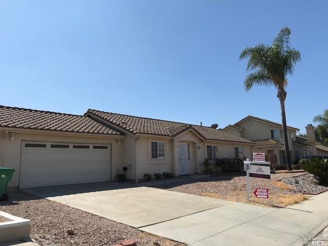 869 St. George Place, Spring Valley, CA 91977 (#21826609) :: Rapisarda Real Estate