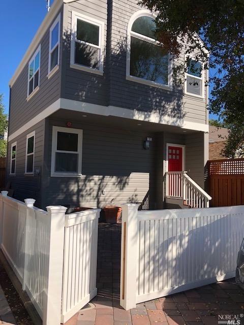 8 Treanor Street, San Rafael, CA 94901 (#21826838) :: W Real Estate   Luxury Team