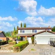 251 Gentry Circle, Vacaville, CA 95687 (#21826969) :: Lisa Imhoff | Coldwell Banker Kappel Gateway Realty
