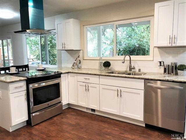 127 Rainier Circle, Vacaville, CA 95687 (#21828999) :: Rapisarda Real Estate