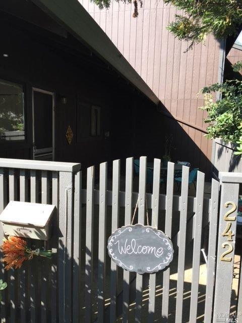 242 Los Alamos Road, Santa Rosa, CA 95409 (#21829403) :: Perisson Real Estate, Inc.