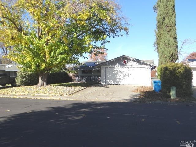 449 Beelard Drive, Vacaville, CA 95687 (#21830824) :: Lisa Imhoff | Coldwell Banker Kappel Gateway Realty
