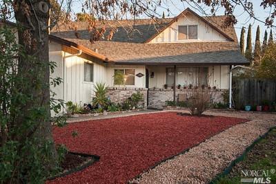 370 Honeysuckle Drive, Fairfield, CA 94533 (#21901636) :: RE/MAX GOLD