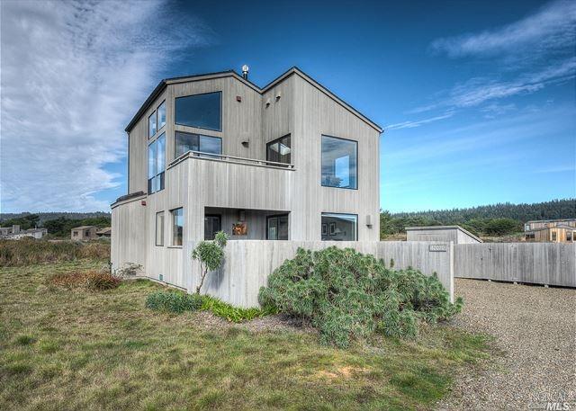 42070 Rock Cod Road, The Sea Ranch, CA 95497 (#21903376) :: Ben Kinney Real Estate Team