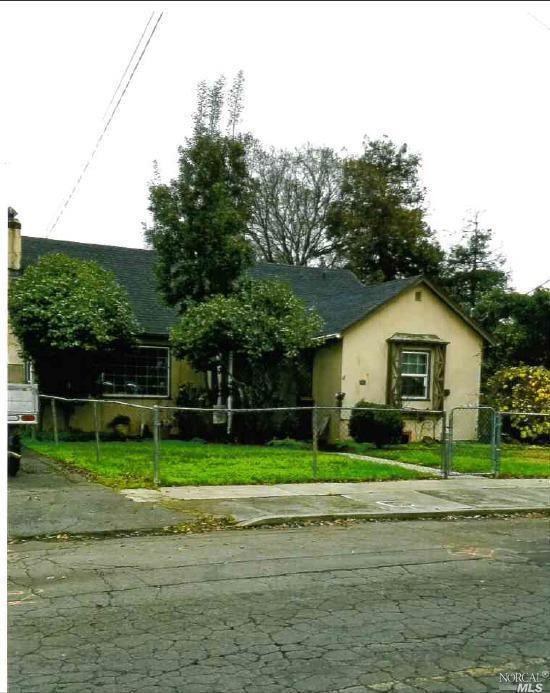 401 Springs Road, Vallejo, CA 94590 (#21904223) :: W Real Estate | Luxury Team