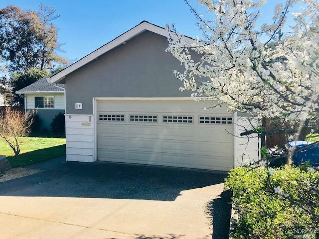 71 Trish Drive, Novato, CA 94947 (#21906099) :: RE/MAX GOLD
