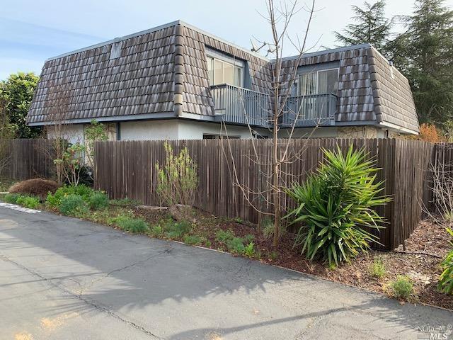 745 Marsh Court, Napa, CA 94558 (#21906317) :: Rapisarda Real Estate
