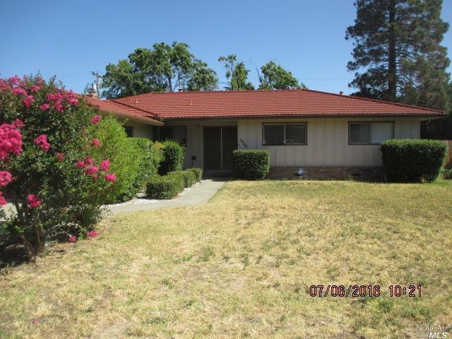 1060 W A Street, Dixon, CA 95620 (#21906456) :: Rapisarda Real Estate