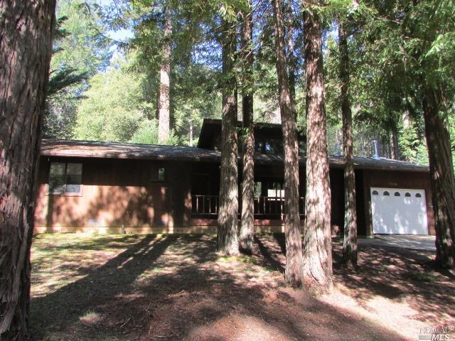 25056 Robin Place, Willits, CA 95490 (#21906580) :: Michael Hulsey & Associates
