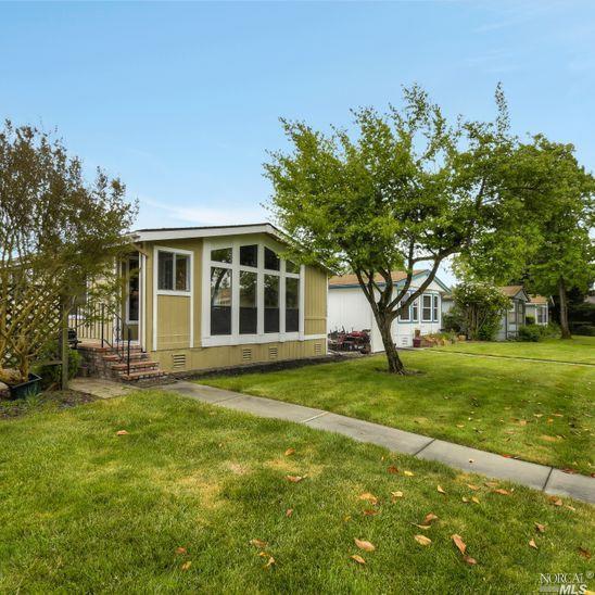1548 Royal Oak Drive, Petaluma, CA 94954 (#21911937) :: W Real Estate | Luxury Team
