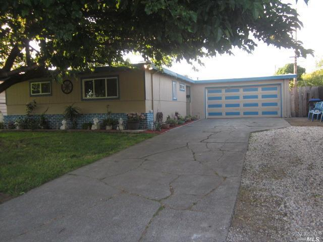 1718 Vermont Street, Fairfield, CA 94533 (#21914740) :: Rapisarda Real Estate