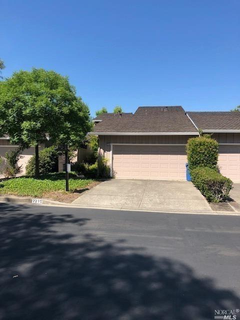 2215 Oneida Circle, Danville, CA 94526 (#21915502) :: Rapisarda Real Estate