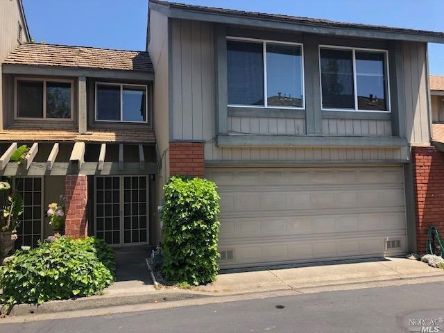 3004 Aurora Court, Santa Rosa, CA 95404 (#21917441) :: Rapisarda Real Estate