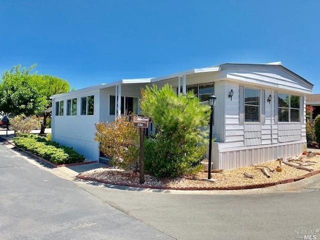 300 E H Street #124, Benicia, CA 94510 (#21921218) :: Rapisarda Real Estate