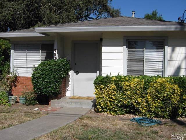 923 Benton Street, Santa Rosa, CA 95404 (#21927107) :: Intero Real Estate Services