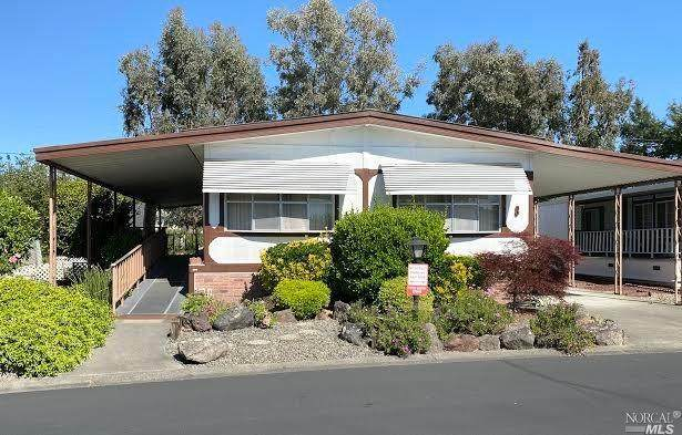 8 Estrella Drive, Santa Rosa, CA 95403 (#22009416) :: Golden Gate Sotheby's International Realty