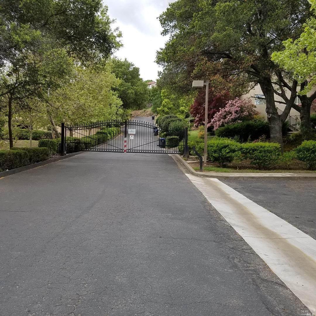 15 Knoll Drive - Photo 1