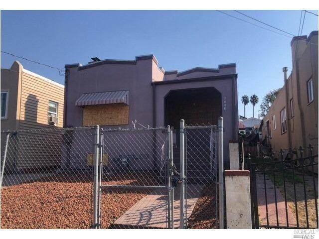 2646 76th Avenue, Oakland, CA 94605 (#22027472) :: Hiraeth Homes