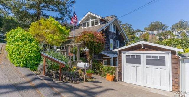 604 Easterby Street, Sausalito, CA 94965 (#321022926) :: Jimmy Castro Real Estate Group