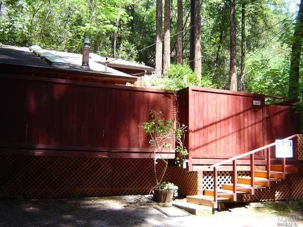 17143 Mt. Jackson Trail, Guerneville, CA 95446 (#321032728) :: RE/MAX Accord (DRE# 01491373)