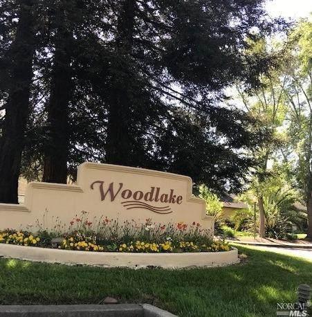 3002 Woodlake Drive, Santa Rosa, CA 95405 (#321033185) :: The Abramowicz Group