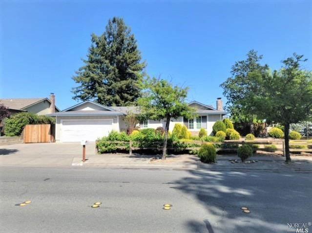 1956 Peterson Lane, Santa Rosa, CA 95403 (#321035467) :: The Abramowicz Group
