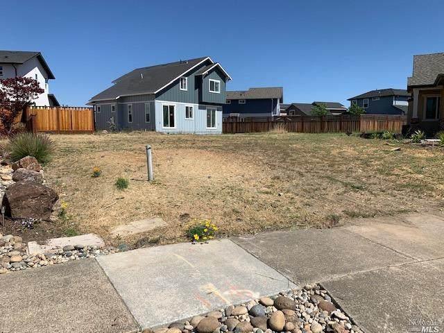 1688 Randon Way, Santa Rosa, CA 95403 (#321035273) :: The Abramowicz Group