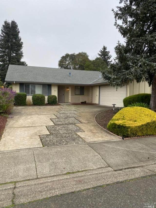 6915 Fairfield Drive, Santa Rosa, CA 95409 (#321035907) :: The Abramowicz Group