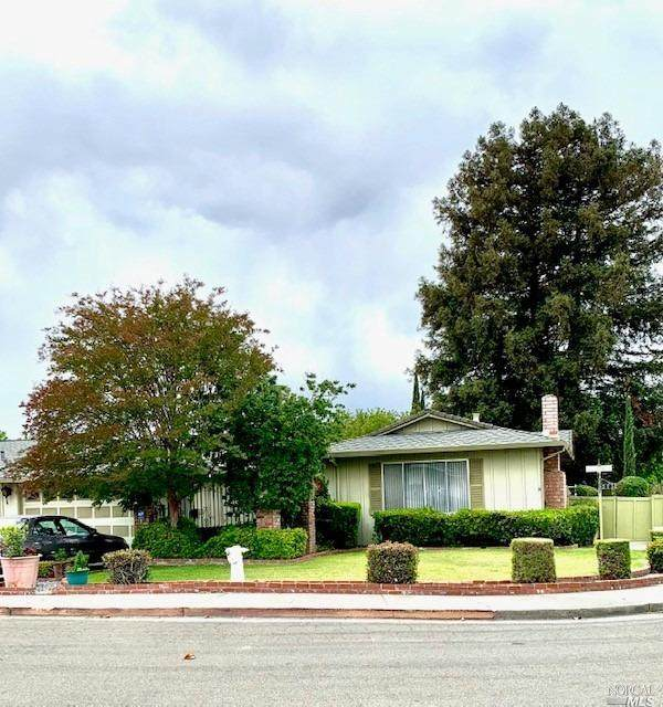 323 Gardenia Circle, Fairfield, CA 94533 (#321044217) :: Lisa Perotti | Corcoran Global Living