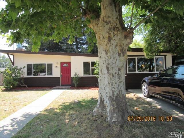 201 Arlington Drive, Ukiah, CA 95482 (#21819797) :: RE/MAX GOLD