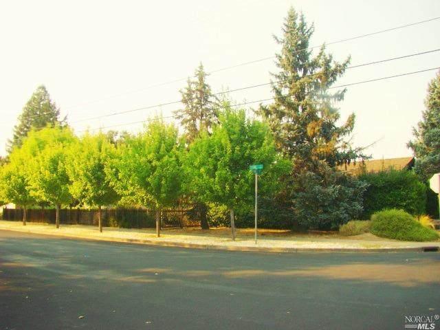1301 Oak Street - Photo 1
