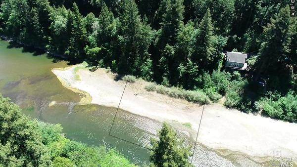 17280 Neeley Road, Guerneville, CA 95446 (#321035076) :: RE/MAX GOLD