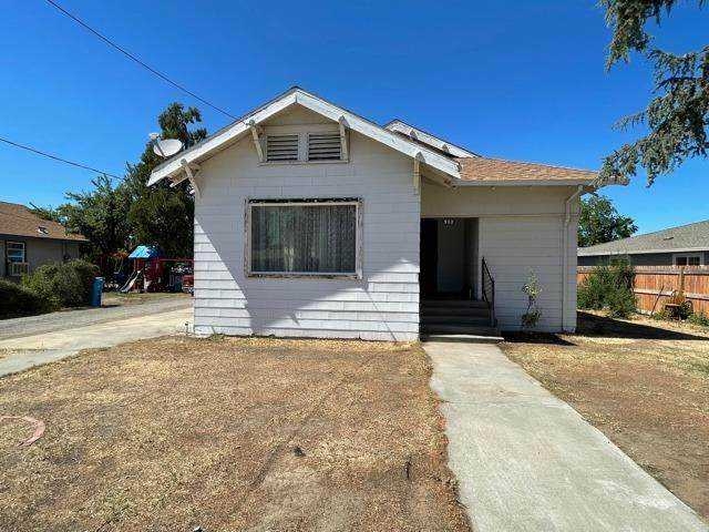 902 Hall Street, Arbuckle, CA 95912 (#221060306) :: Golden Gate Sotheby's International Realty