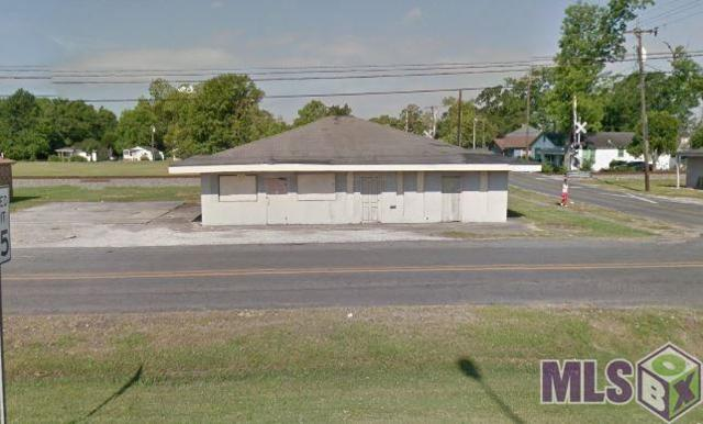 875 N Alexander Dr, Port Allen, LA 70767 (#2016005581) :: South La Home Sales Team @ Berkshire Hathaway Homeservices