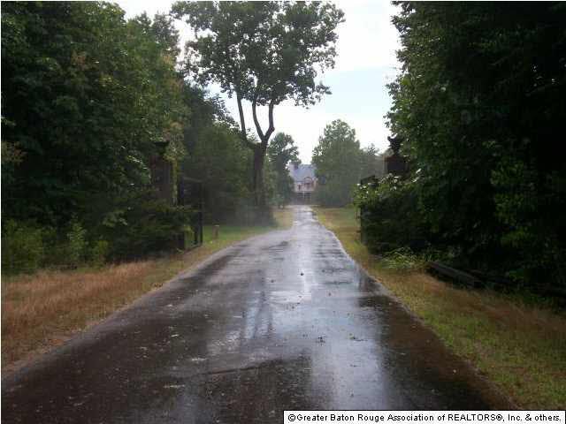 9537 Glynns Ln, St Francisville, LA 70775 (#201104070) :: Patton Brantley Realty Group