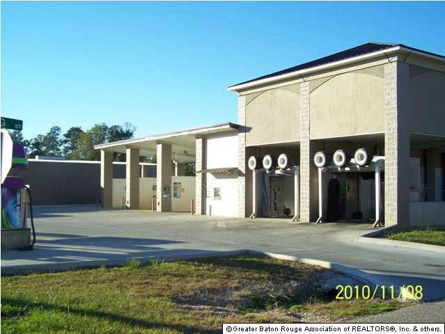 9819 Florida Blvd - Photo 1