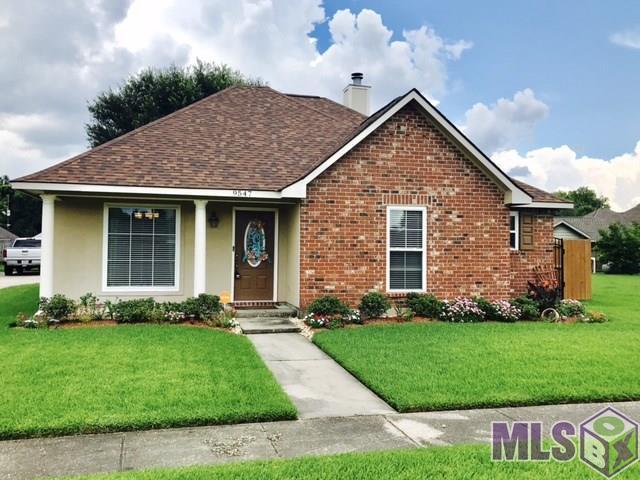 9547 Greenchase Dr, Baton Rouge, LA 70810 (#2017011405) :: Trey Willard of Berkshire Hathaway HomeServices United Properties