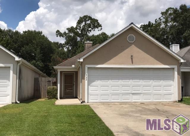 752 Hammond Manor Dr, Baton Rouge, LA 70816 (#2017012593) :: Smart Move Real Estate