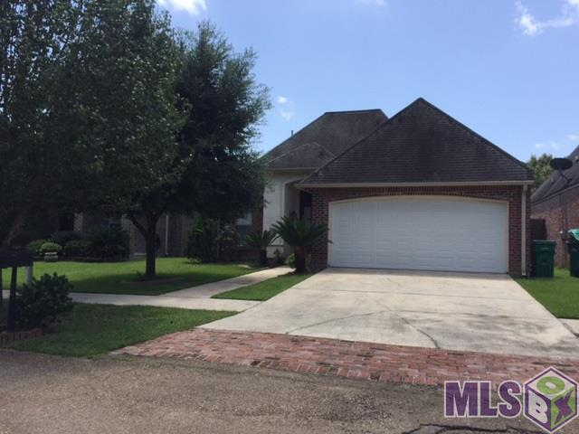 8418 Le Marie Ct, Denham Springs, LA 70706 (#2017013000) :: Smart Move Real Estate