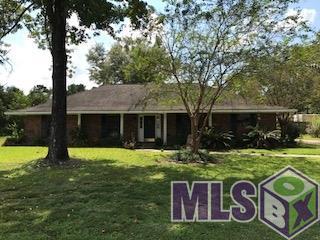 8600 Lake Park Dr, Denham Springs, LA 70726 (#2017014718) :: South La Home Sales Team @ Wayne Clark Realty