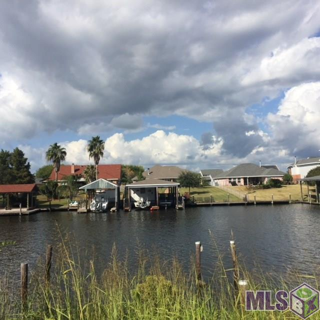 156 Lakeview Dr, Slidell, LA 70458 (#2018002386) :: Patton Brantley Realty Group
