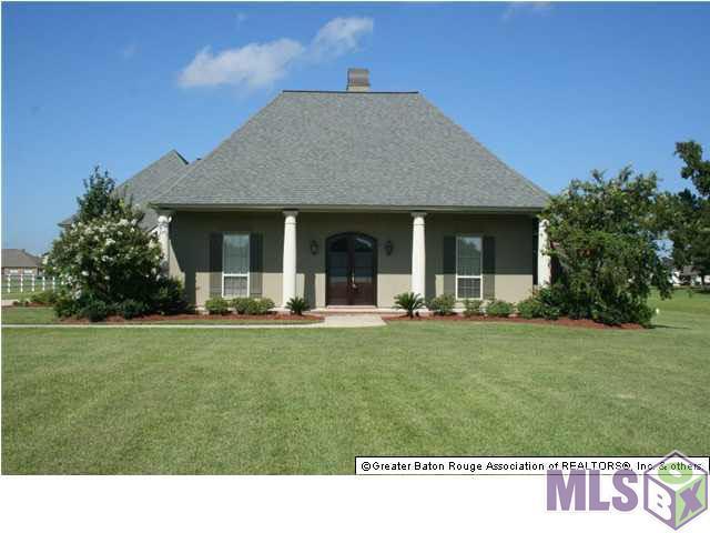 8385 Pin Oak Ln, Zachary, LA 70791 (#2018008331) :: Smart Move Real Estate