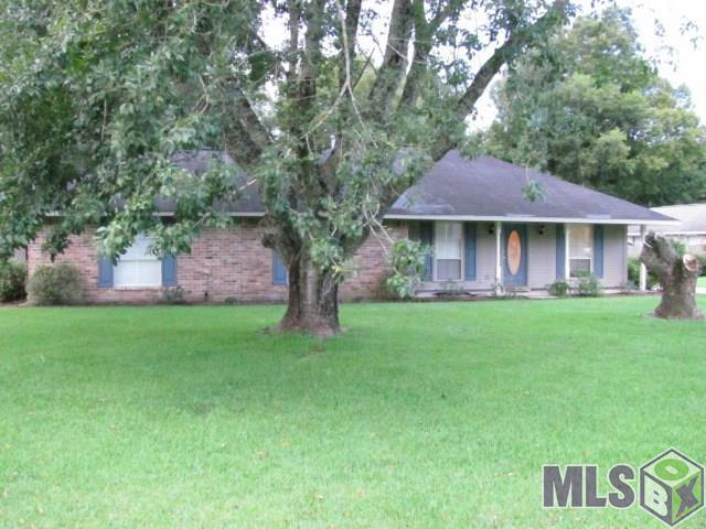 3803 Live Oak Dr, Brusly, LA 70719 (#2018016499) :: The W Group with Berkshire Hathaway HomeServices United Properties