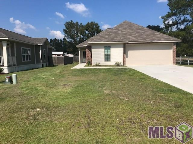 32497 Lake Point Ave, Denham Springs, LA 70726 (#2018017928) :: The W Group with Berkshire Hathaway HomeServices United Properties