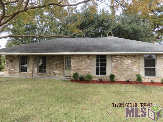 12739 E Robin Hood Dr, Baton Rouge, LA 70815 (#2018019316) :: The W Group with Berkshire Hathaway HomeServices United Properties