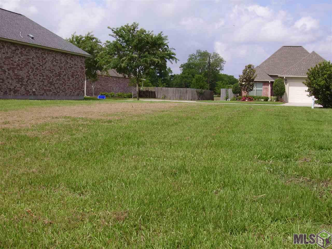 5233 Courtyard Dr - Photo 1
