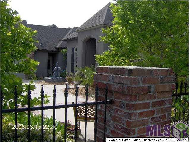 40150 Swan Cir, Gonzales, LA 70737 (#2019007247) :: Smart Move Real Estate