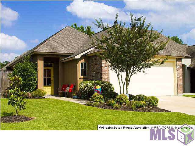 12338 Dutchtown Villa Dr, Geismar, LA 70734 (#2019020859) :: David Landry Real Estate