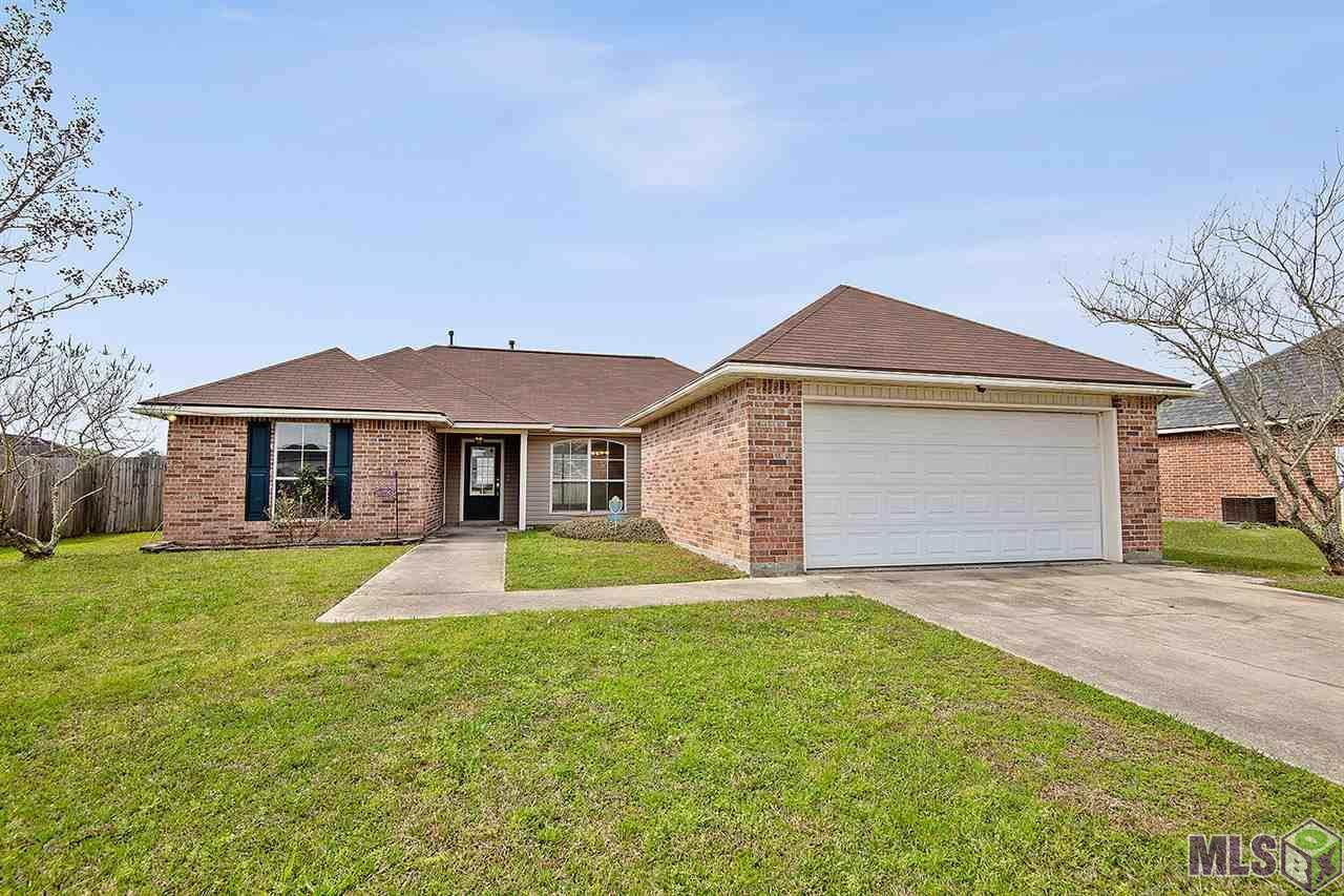26283 Robindale Dr - Photo 1
