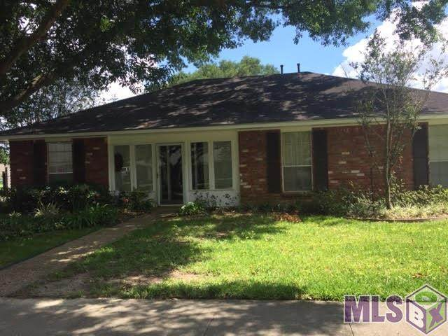 11030 Del Cano Ave, Baton Rouge, LA 70816 (#2020008610) :: Smart Move Real Estate
